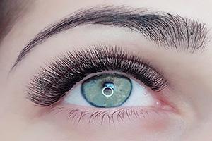 eyelash technicians logan